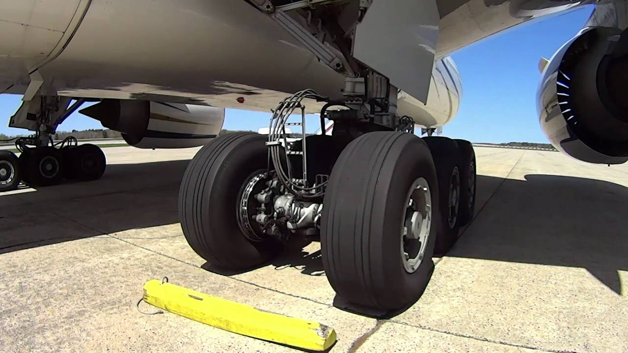 Boeing 777 Steering | Main and Nose Gear Steering