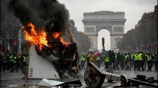 Manifestation violente des gilets jaunes aux Champs Elysées Emmanuel Macron