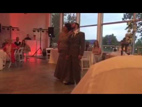 awesome-mother/son-wedding-dance-to-country-music