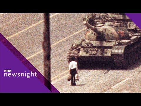 ARCHIVE: Tanks roll into Tiananmen Square (4 June 1989)  - BBC Newsnight