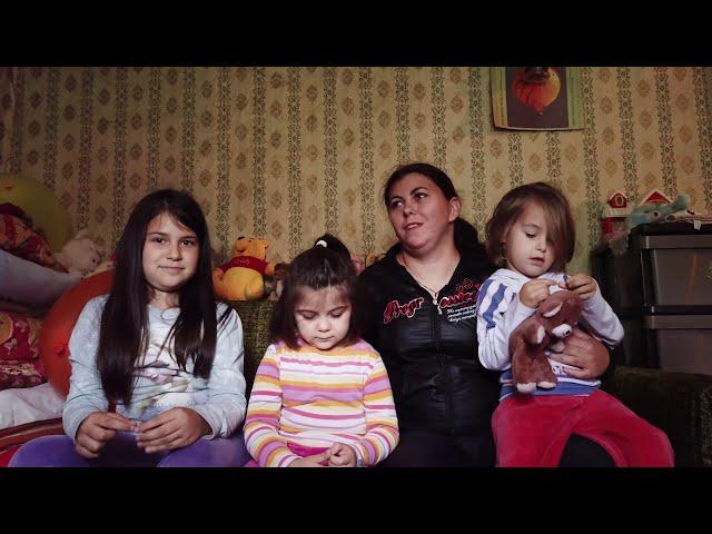 Вредне цурице из Куршумлије помажу својој самохраној мајци, али потребна им је и наша подршка!