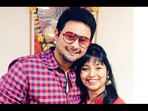 Marathi Superstar Swwapnil Joshi And His Wife Leena Celebrated 4th Marriage Anniversary