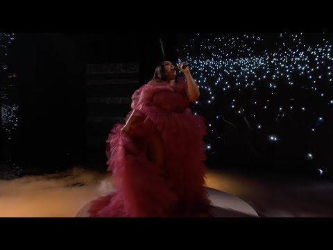Lizzo - AMA Performance