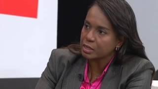 Tia Eron defende projetos em favor da população negra
