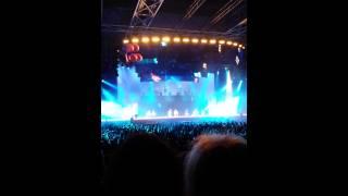 Alexandra Komin singing song Violetta