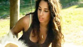 Cette femme a une relation spéciale avec un lion blanc - ZAPPING SAUVAGE