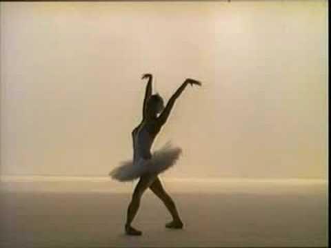 """Maya Plisetskaya - """"Swan"""" - YouTube"""