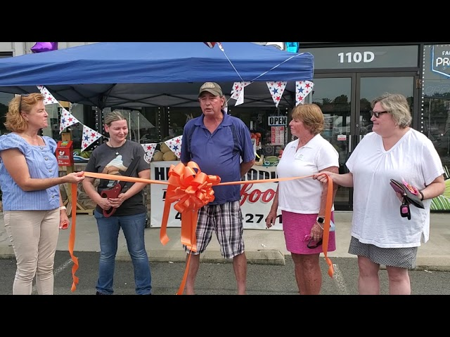 Hilltop Produce & Seafood Ribbon Cutting
