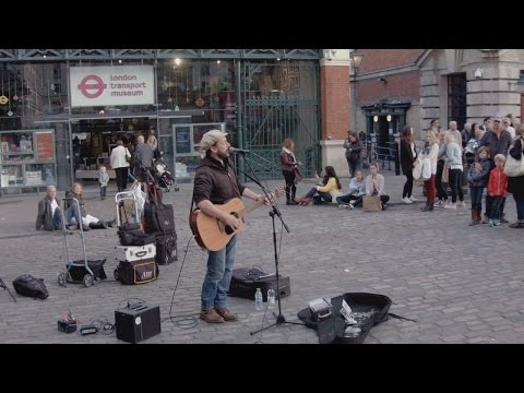 Chasing Cars - Rob Falsini sings in Covent garden