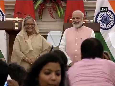 Watch: PM Modi, Sheikh Hasina burst into laughter after announcer asks them to 'step down'
