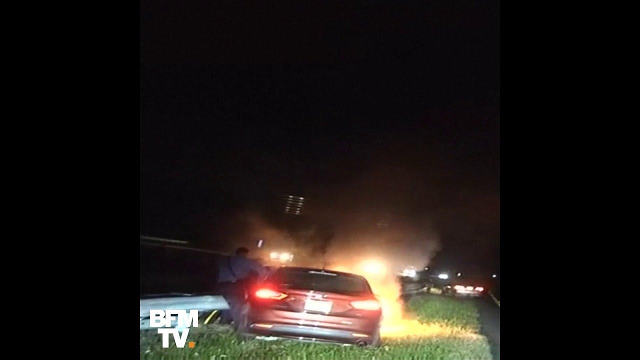 Etats-Unis: deux policiers du New Jersey sauvent un homme d'une voiture en feu