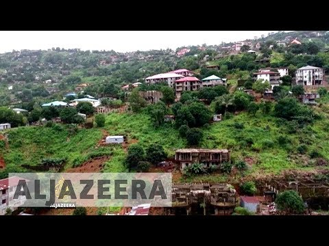 Sierra Leone mudslide survivors angry as hundreds remain missing