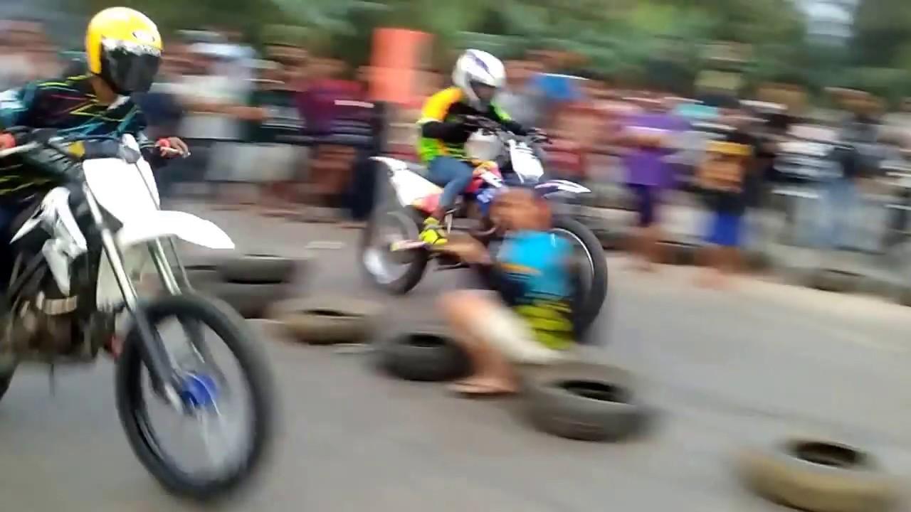 Drag Motor Klx Vs Klx Youtube