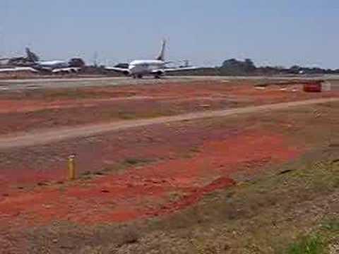 Decolagem do 747-400 da Air India de Brasilia BSB