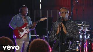 Jabu Hlongwane - Wabethelwa (Live)