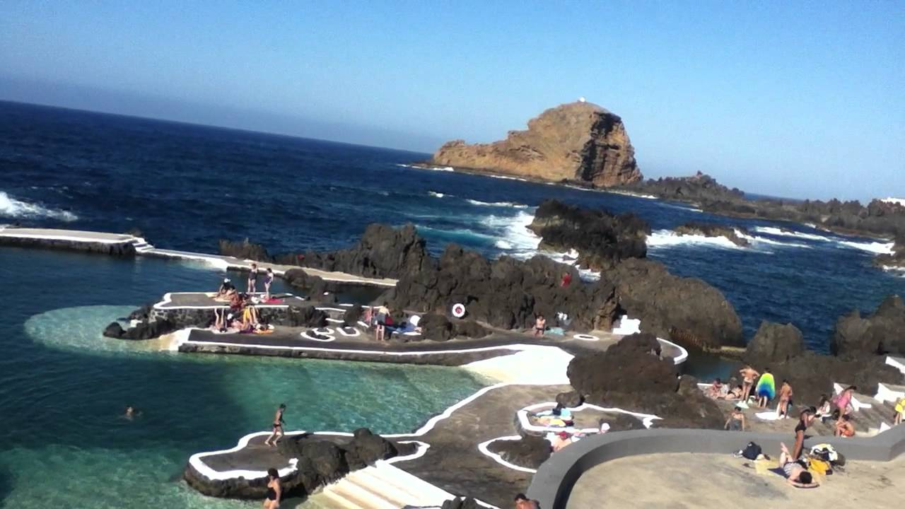 Piscina natural de porto moniz en madeira youtube for Piscine porto portugal