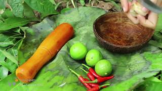 Eating delicious - Cooking Crab in forest - Primitive technology