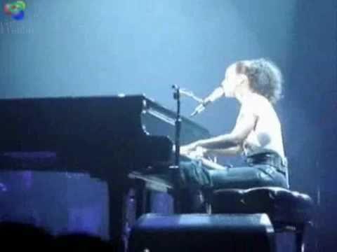 Alicia Keys - Lesson Learned & Tell You Something live Phoenix, Arizona