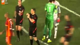 Felipe melo penaltıyı kaçırınca Volkan Demirel   üzerine Atladı!  25 08 2014 süper kupa maçı