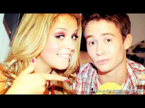 gage golightly  'i love the way she bites her lips'