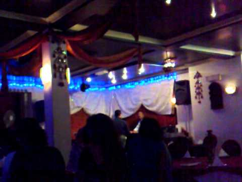 fraidoon saburi live singing in london  india Restaurant.mp4