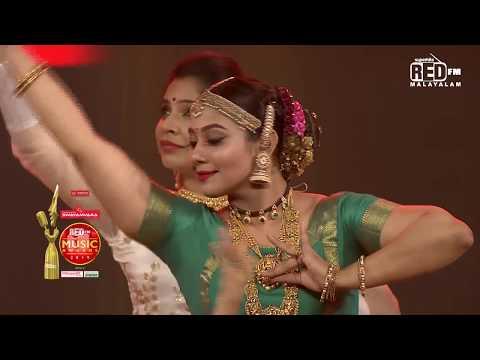 Rachana Narayanankutty | Iraiva Iraiva | RMMA 2019 | Viral Cuts | Red FM Malayalam
