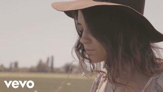Смотреть клип Pomme - Je T'Emmènerais Bien