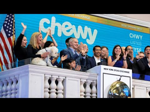 Chewy posts revenue beat, better-than-expected revenue guida