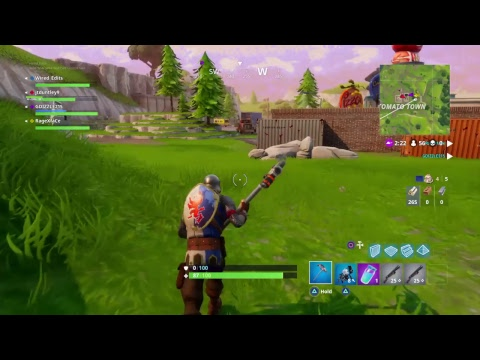 Playing fortnite (hacker spotted)
