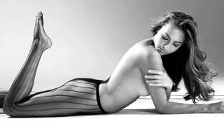 Gambar cover FHM September Issue: Irina Ostroukhova