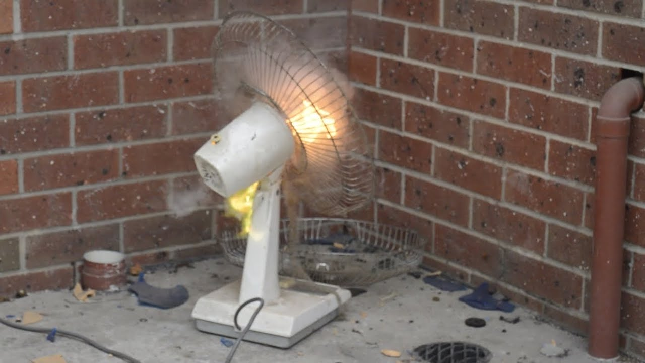 Smashing a Vintage National F-4OAAG Desk Fan with Motor Burn Out