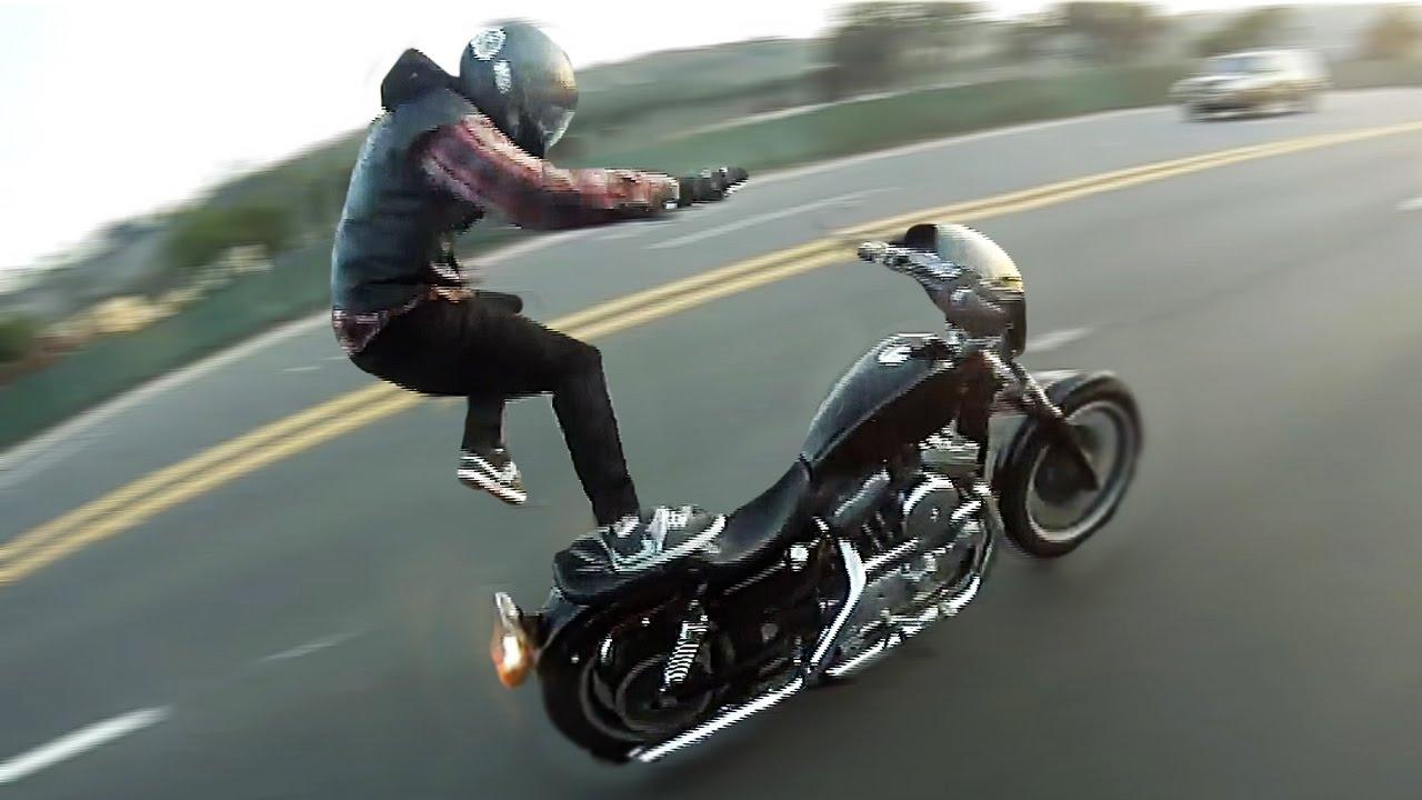 2017 Harley Davidson Sportster >> Harley Wheelie Crashes 2017 💀 Dyna, Sportster, Custom Choppers - YouTube