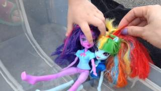 My Little Pony Pool Party! Equestria Girls Mlp Toy Play. Cutie Mark Magic.(Yayyy! A new awesome video for you guys. A pool party video is something we've wanted to do for a while. Toytastic Sister was at school so Toytastic mom took ..., 2015-09-22T15:44:58.000Z)