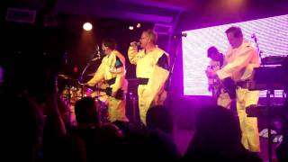 DEVO - Uncontrollable Urge - Solana Beach, CA - 3/20/11
