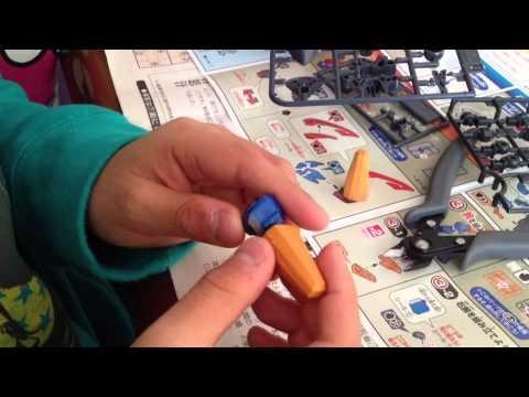 10歳の誕生日に、初めてのプラモ LBX ペルセウスを作る!