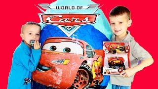 Police Chase and Gunfight the Thief on wall Giant Surprise Eggs cars toy disney Funny Video For kids