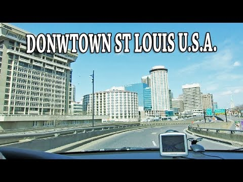DRIVING DOWNTOWN ST LOUIS USA.