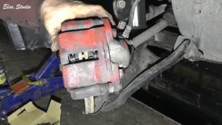 Замена передних тормозных колодок на Dacia (Renault) Logan