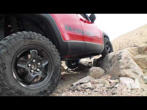 RENEGADE on the ROCKS - Crawling a Jeep Renegade Trailhawk up a Rocky Ledge in Last Chance Canyon