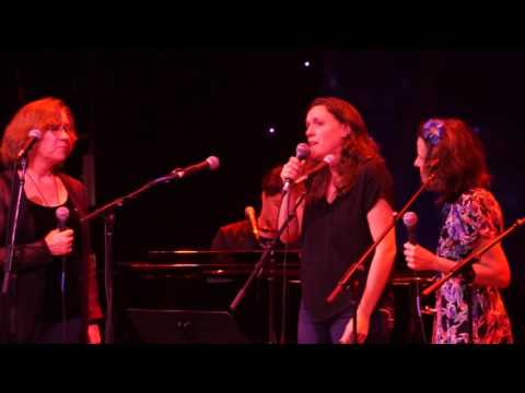 Hallelujah by Rufus Wainwright, Sloan Wainwrite, Lucy Wainwright Roche, Suzzy Roche