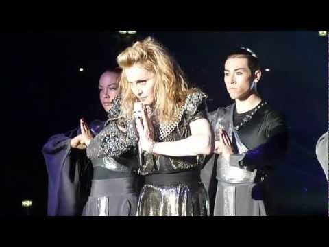 Madonna 20 I´m Addicted (edit ) MDNA Tour  Live 2012 HD 1080p ( +3D)