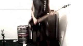 Limp Bizkit -  Jump Around (bass cover)