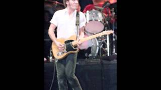 31. Santa Claus Is Coming To Town (Bruce Springsteen - Live At The Nassau Coliseum 12-28-1980)