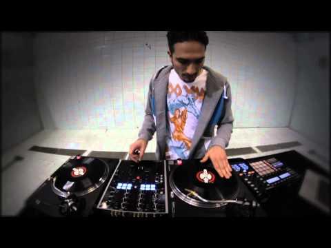 DJ Unkut Demonstrates TRAKTOR Native Scratch Technology | Native Instruments