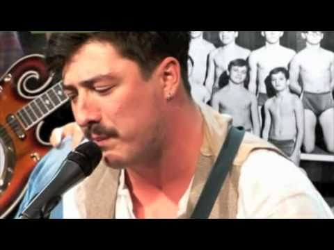 Mumford & Sons - Winter Winds - (Live Brown Couch Sessions 2009)