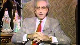 Frank Layden wins Mr Blackwell worst dressed 1988