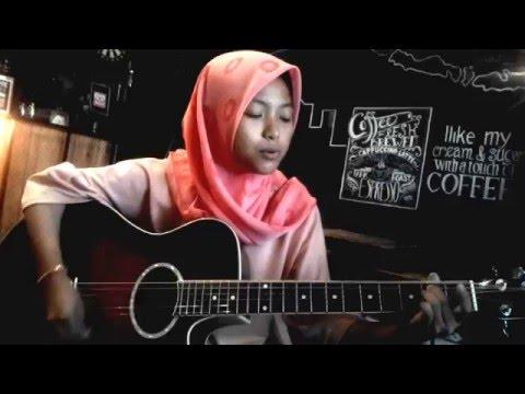 Elvina, Cewek Pangkep berhijab main gitar keren - Lagu IMPOSSIBLE