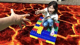 집안이 용암이에요! 라임의 뽀뽀 구하기 방탈출 놀이 The Floor is lava! Save My Family | Escape From Lava | pretend to avoid