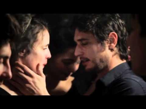 """Valérie Donzelli vs Love of Lesbian """"La guerre est déclarée - """"Allí donde solíamos gritar"""""""