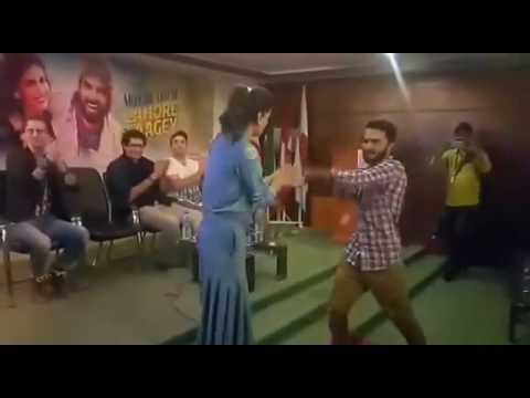 University Karachi Saba Qamar Dance Performing on kalabaaz dil with a Student of Indus